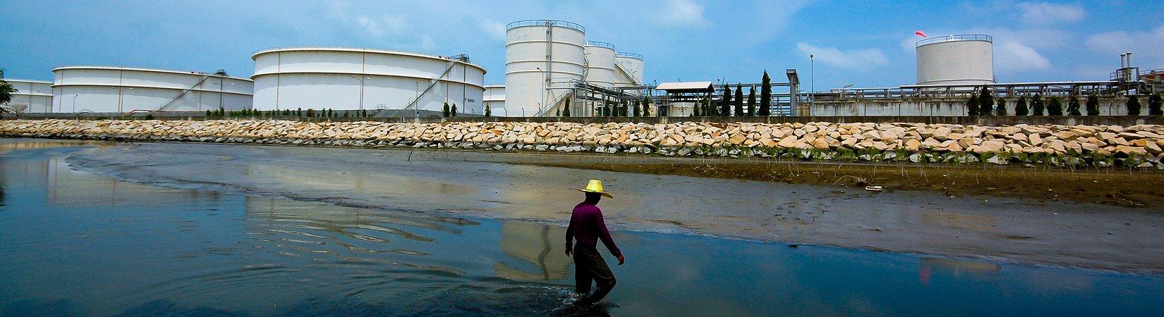 ¿Merece la pena invertir en ETF de petróleo?