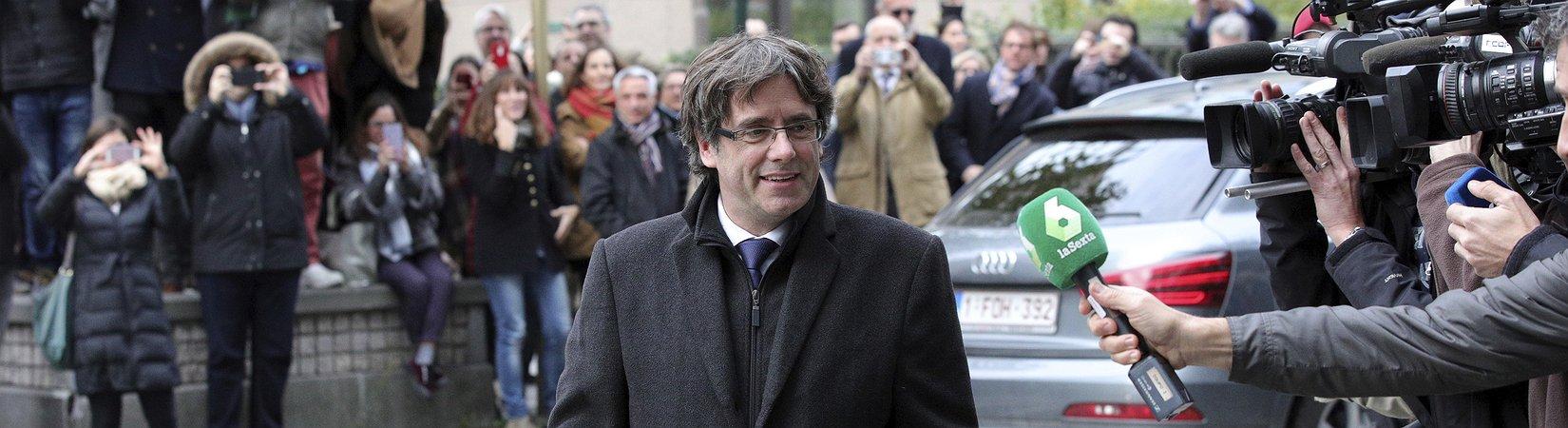 Puigdemont y sus exconsejeros quedan en libertad condicional