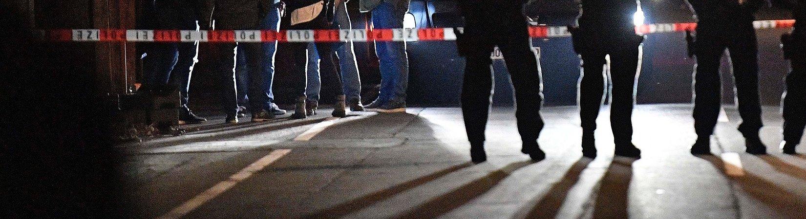 La polizia indaga sulle tre bombe esplose davanti al bus del Borussia Dortmund