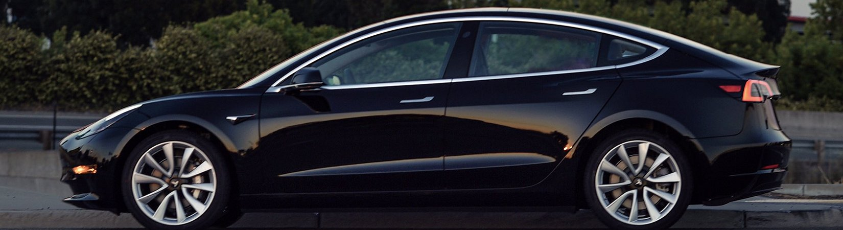 Elon Musk publica una foto del primer Model 3