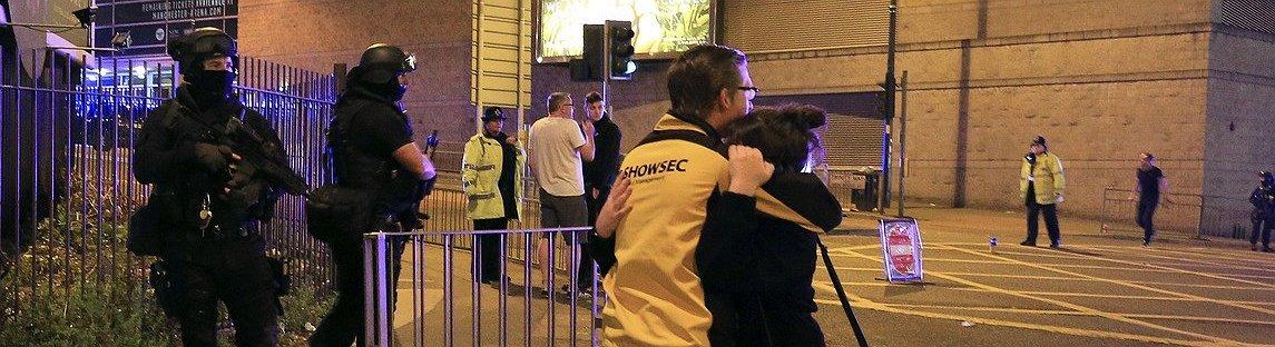 Strage a Manchester, un kamikaze si fa esplodere al concerto di Ariana Grande