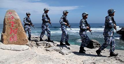 Китайці дражнять США: військові бази Пекіна в Південно-Китайському морі готові до використання