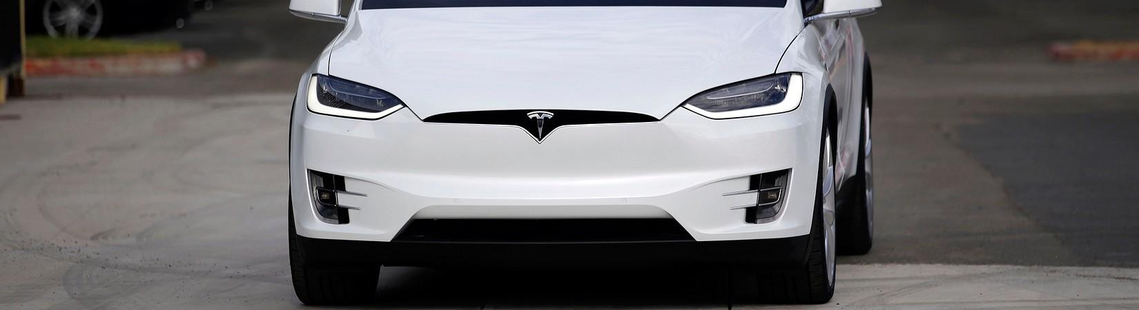 Tesla rebaja el precio del Model X