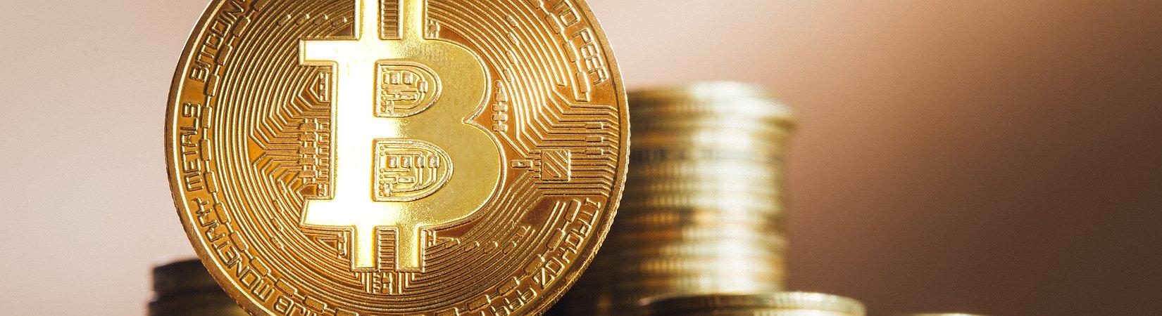 Il prezzo del bitcoin supera i 4.200 dollari