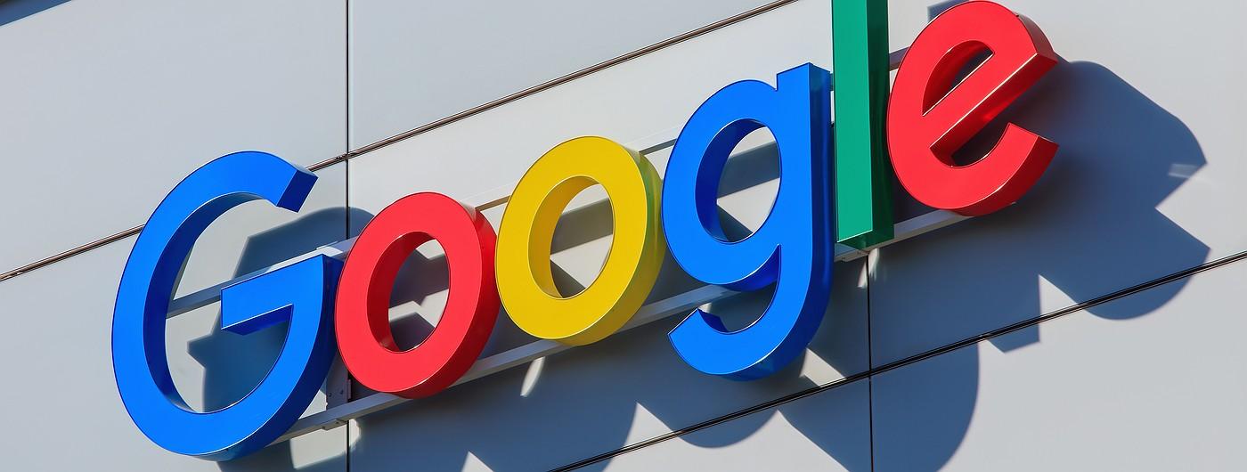 В 2017 году Facebook и Google заработают на рекламе $106 млрд