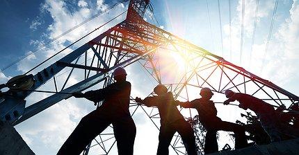 Обзор рынка: Цены на нефть восстанавливаются после обвала, британский фунт дорожает