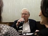 Warren Buffett ha quadruplicato il numero di azioni Apple nel suo portafoglio