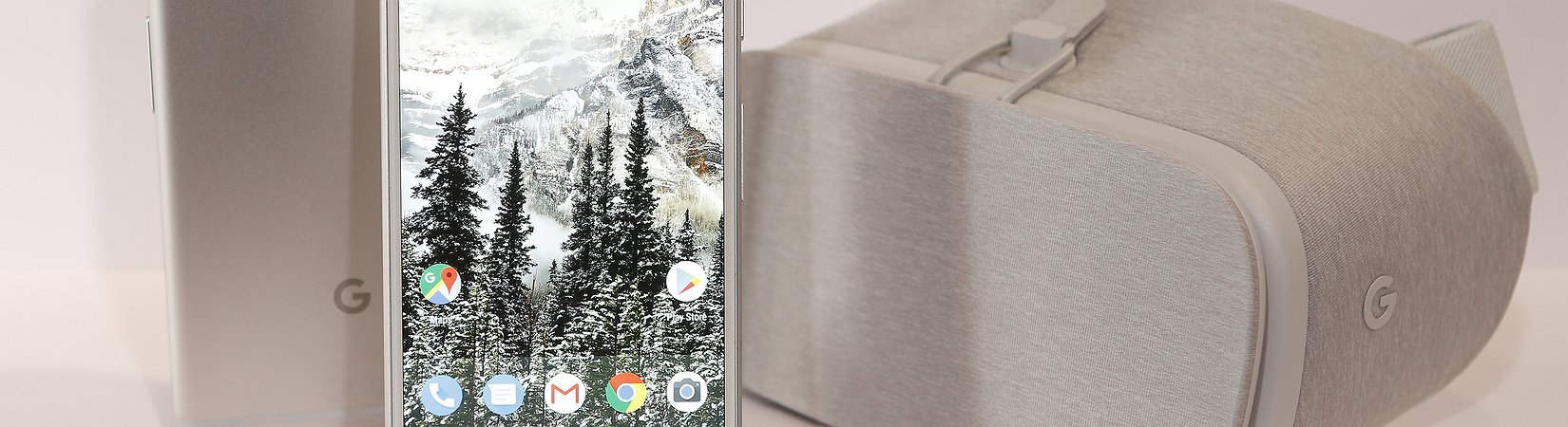 'Google offers LG $900m to supply screens for its new phone'