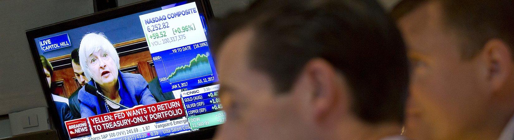 ФРС сохранила базовую ставку на уровне 1-1,25%