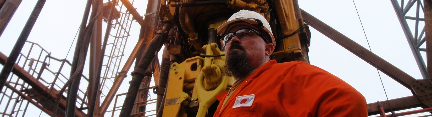 3 أسهم من القطاع النفطي يجب شراؤها في مايو