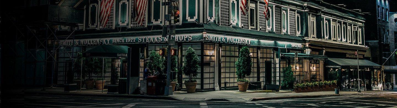 عشاء بأسلوب وارن بافيت: ليلة واحدة في المطعم المفضل لدى الملياردير