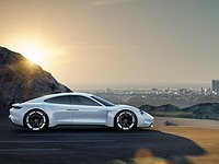 Tesla против Porsche, Audi и Mercedes: Чей электрокар круче