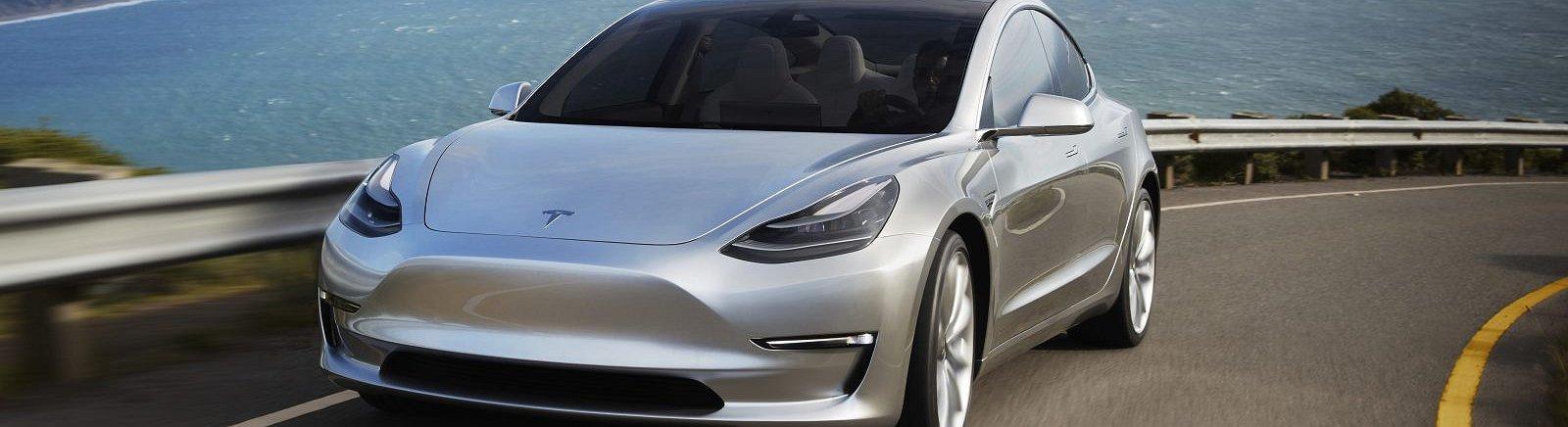 Model 3 da Tesla chega hoje às estradas