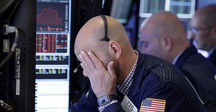 Обзор рынка: Европейские индексы снижаются, фунт и доллар под давлением