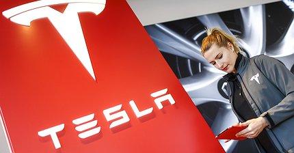 Tesla вернула GM звание самого дорогого автопроизводителя в США