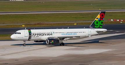 Un avión secuestrado en Libia con 118 pasajeros aterriza en Malta