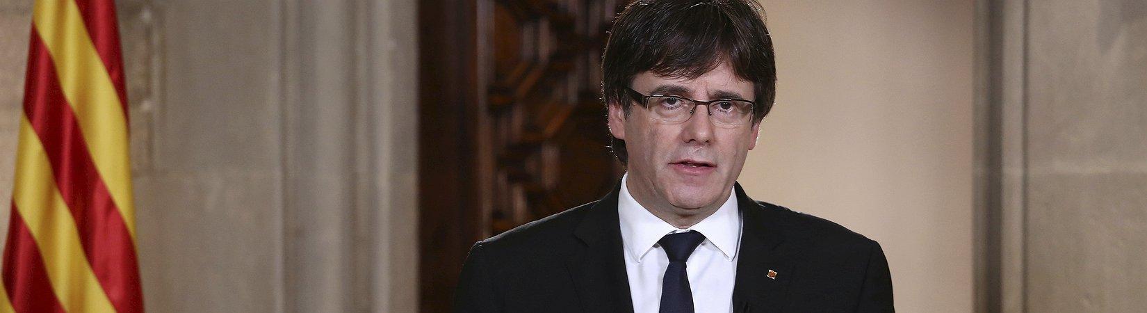 Cataluña celebra un pleno parlamentario en el que podría declarar su independencia
