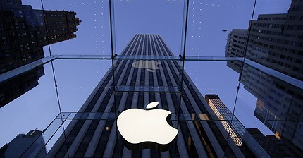 Apple closing in on $1 trillion market cap