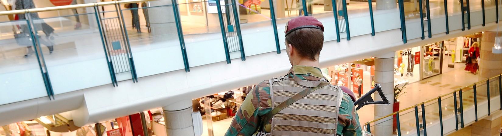 Detienen a un hombre con explosivos en un centro comercial de Bruselas