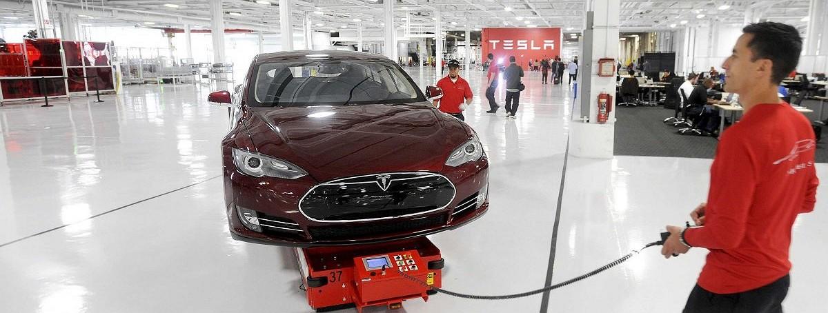 Рисковая стратегия Илона Маска ставит под удар успех Model 3
