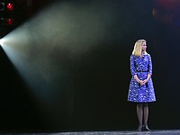 Yahoo to give outgoing CEO $23m 'golden parachute'