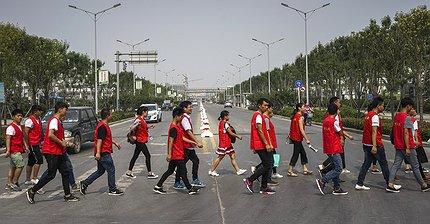 Как iPhone построил в Китае целый город