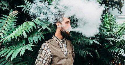Зачем производители сигарет вступают в борьбу с курением