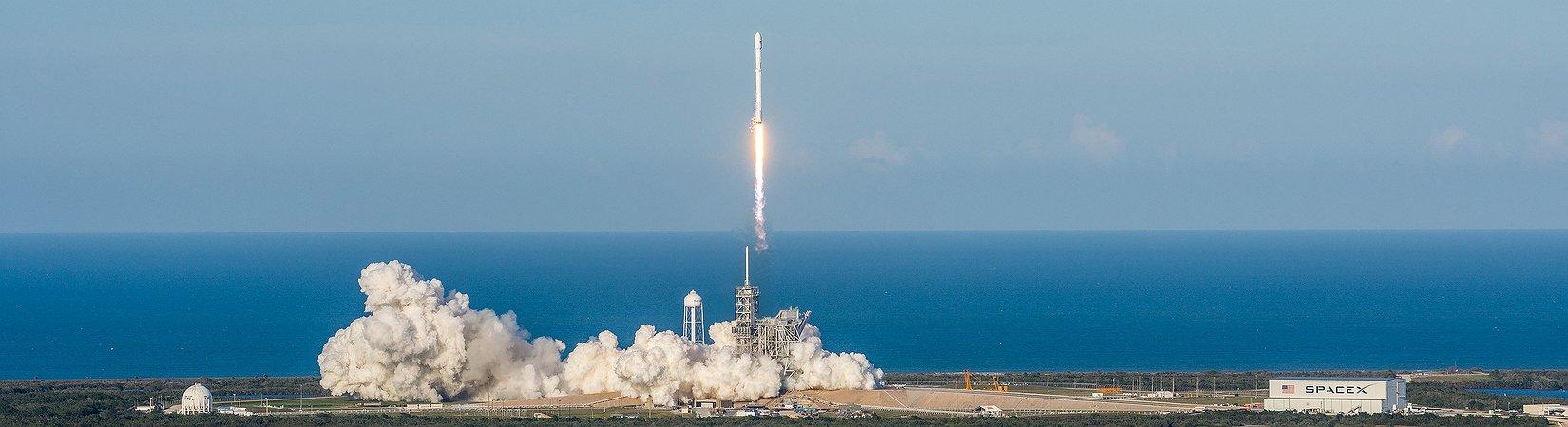 SpaceX ha conseguido enviar al espacio un cohete reutilizado: ¿Por qué es tan importante?