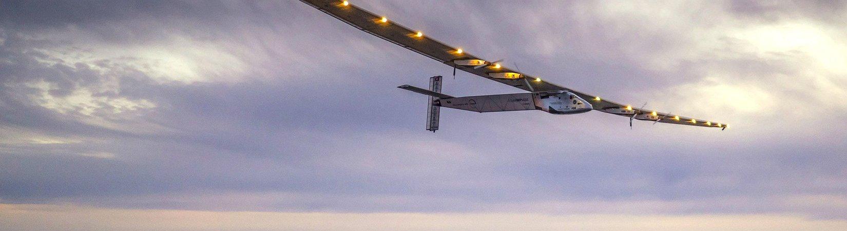 El avión Solar Impulse 2 llega a España