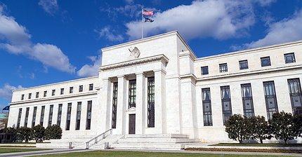 Обзор рынка: Доллар вырос, инвесторы ждут выступления Джанет Йеллен