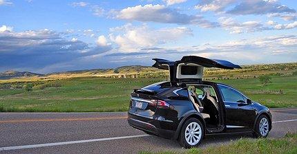 Тест-драйв Tesla Model X D100