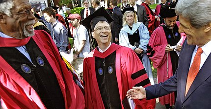 Билл Гейтс опубликовал серию твитов с советами выпускникам