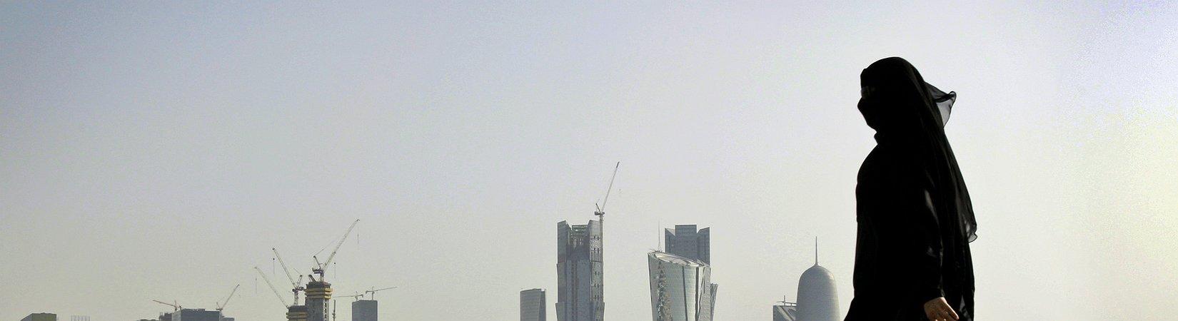 В банках Катара закончились доллары
