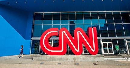 CNN vs. мемы: Почему интернет ополчился против телеканала