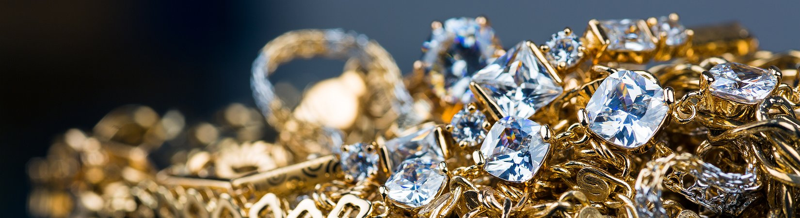 Los jóvenes estadounidenses pagan su alquiler con las joyas de sus padres