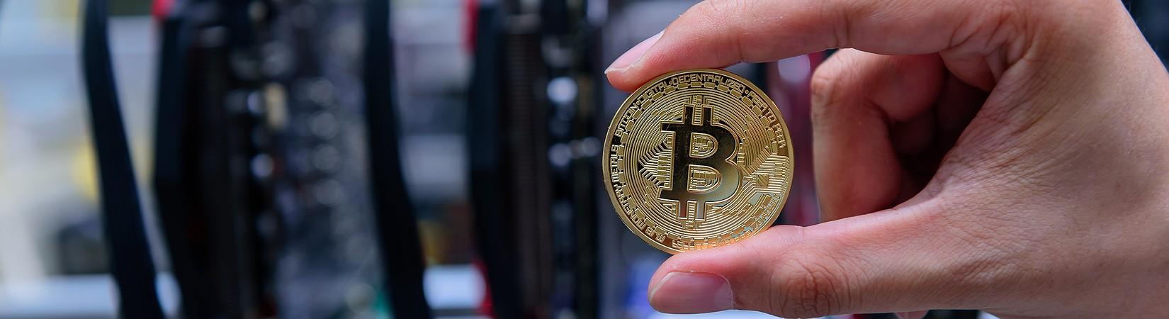 Il bitcoin evita lo split e il prezzo torna a salire