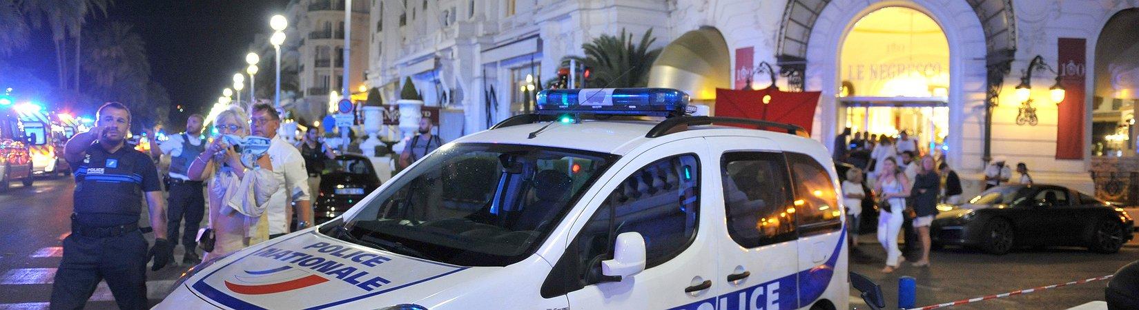 Al menos 84 muertos en un ataque contra una multitud en Niza