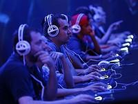 AMD vs. Intel: ¿qué acciones comprar?