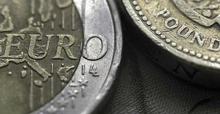 Los hedge funds han comenzado el juego agresivo contra la libra