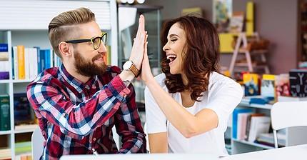 Cómo mantener una actitud positiva en el trabajo