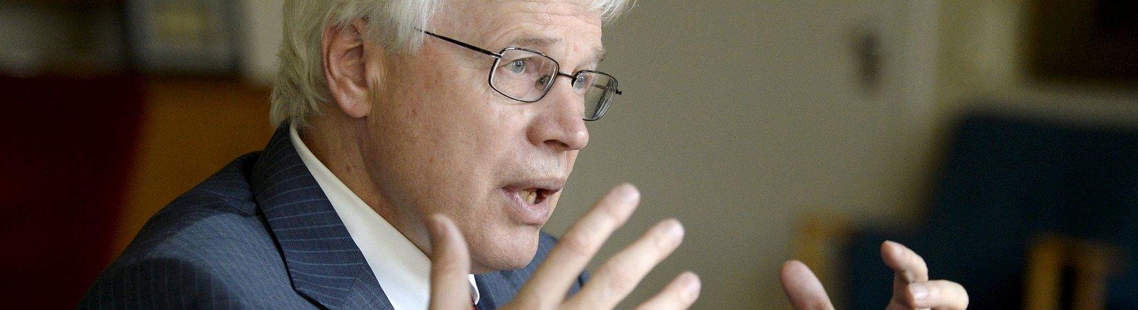 Los creadores de la teoría de los contratos galardonados con el Nobel de Economía