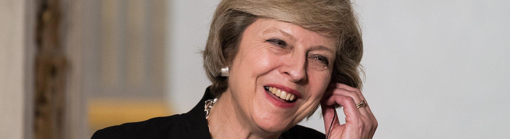 """Theresa May: """"Elezioni l'8 giugno"""""""