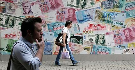 El franco, el yen y el dólar le complican la vida a los bancos centrales