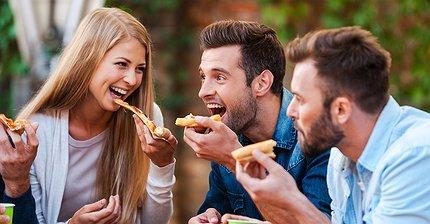 Фастфудные магнаты: Кто заработал миллиарды на сэндвичах и пицце