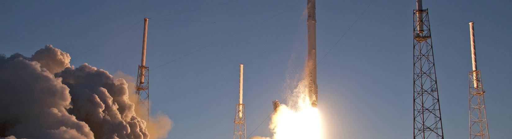 Илон Маск работает над созданием многоразовой ракеты