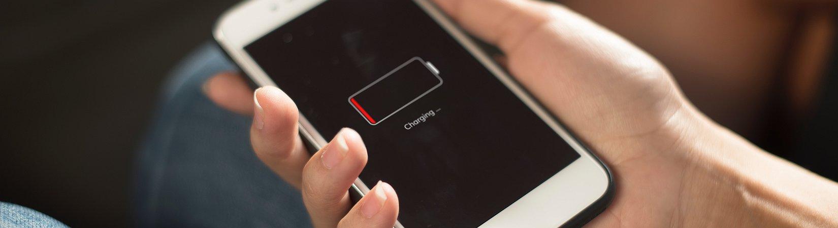 Как продлить время работы iPhone: 15 лайфхаков