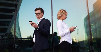 Какой iPhone принес инвесторам больше всего денег