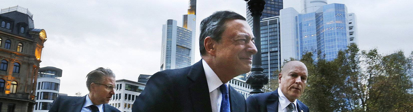 Обзор рынка: Европейские индексы снижаются, евро подорожал