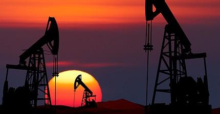 Цены на нефть падают на фоне роста числа буровых установок в США