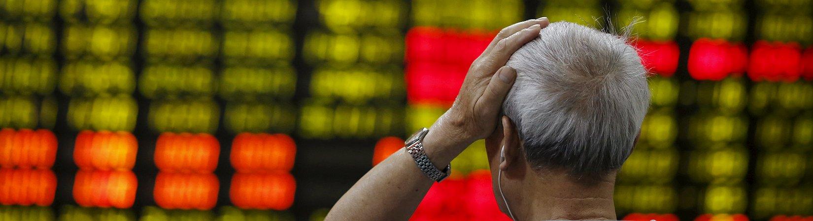 Lunedì nero in Cina, più di 2.800 titoli in calo